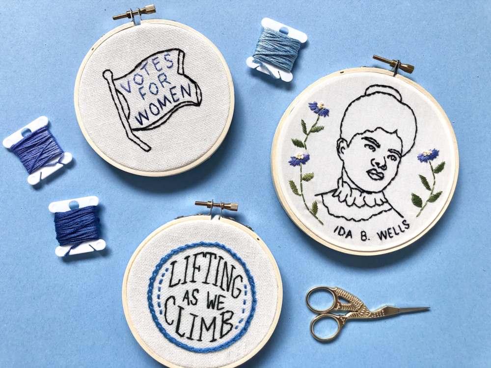 Spread the word! Stitch one for yourself, one for your neighbor, and one for your granny while you're at it! We have five different motifs to chose from.